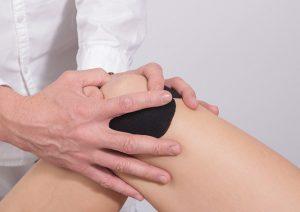 Ból kolana – przyczyny
